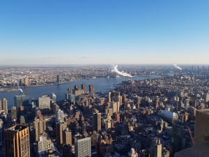 Vue de l'Empire State : Le Sud de Manhattan, Brooklyn et l'East River @Adélaïde