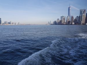 Vue du Ferry : Manhattan et le World Trade Center @Adélaïde